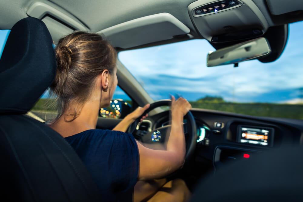 Как себя вести, если влюбилась в инструктора по вождению
