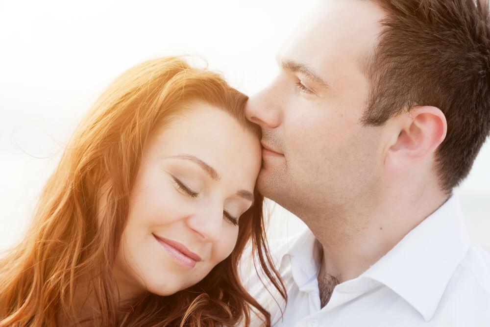 Аффирмации на привлечение любви