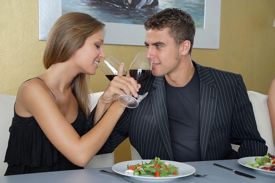 Как вести на первом свидании или как распознать любовь