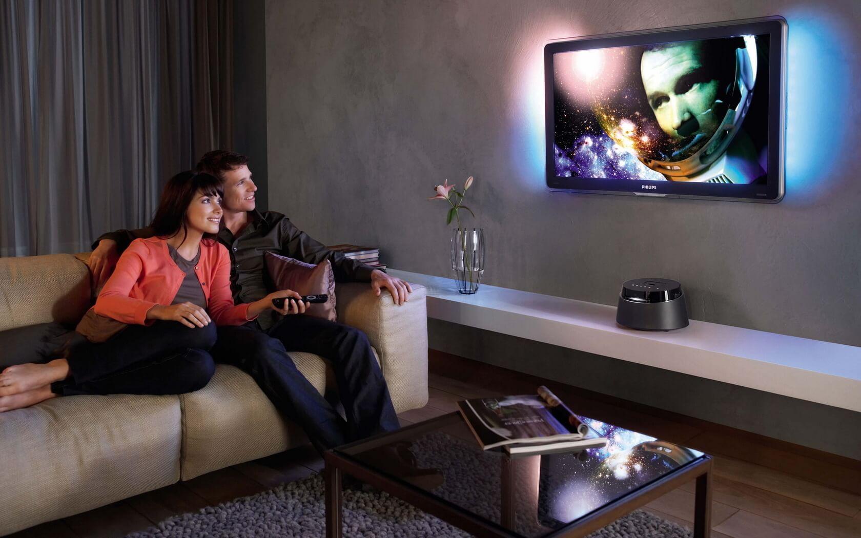Он, она и телевизор