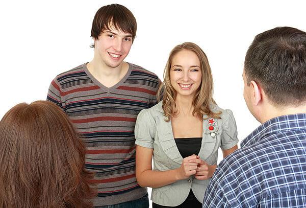 Основные причины, по которым мужчина откладывает знакомство с родителями