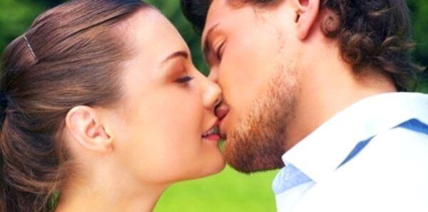 Сокровенная тайна первого поцелуя