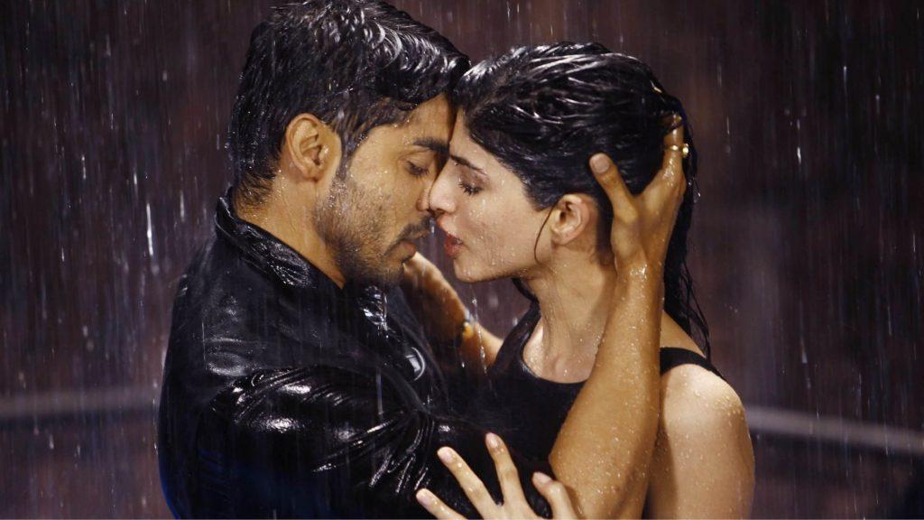 Французский поцелуй, родом из Индии