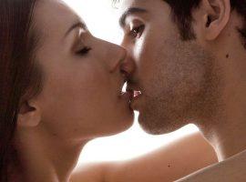 Как целоваться с девушкой с языком правильно